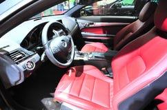 Cockpit des Kupeen des Benz e260 stockbilder