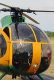 Cockpit eines Hubschraubers für das Transportieren von Leuten stockfotos