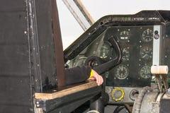 Cockpit eines Weinleseflugzeuges stockfoto