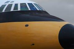 Cockpit en neus van lijnvliegtuig Stock Foto