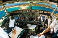 Cockpit på den tropiska stranden royaltyfri bild