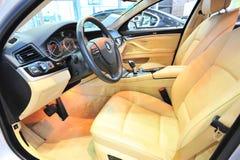 Cockpit von bmw stockbild