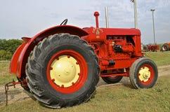 Cockshutt 80 återställd traktor Arkivbilder