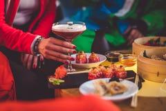 Cocktail à disposição Imagem de Stock Royalty Free