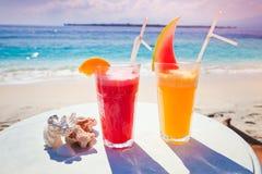 Cocktail alaranjado e vermelho Foto de Stock Royalty Free