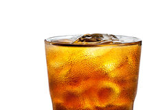 Cocktail alcoólico com cola e gelo Foto de Stock Royalty Free