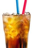 Cocktail alcoólico com cola e gelo Fotografia de Stock Royalty Free