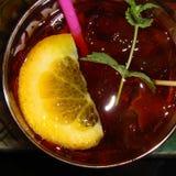 Cocktail alcoólico de cima de fotos de stock royalty free