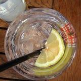 Cocktail alcoólico de cima de fotografia de stock