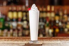 Cocktail alcolico con caffè fotografia stock libera da diritti