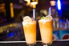 Cocktail alcolico con l'agrume Immagine Stock Libera da Diritti