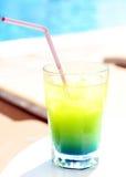Cocktail amarelo e azul Imagens de Stock Royalty Free