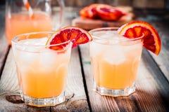 Cocktail analcolico dell'arancia sanguinella in vetro Immagine Stock