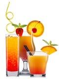 Cocktail arancio con i frutti isolati su bianco Immagine Stock Libera da Diritti