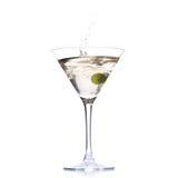 Cocktail avec l'éclaboussure olive Photo stock