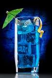 Cocktail azul de Curaçau fotos de stock royalty free