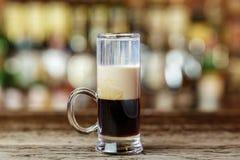 Cocktail B-52 auf der Bar Stockfoto