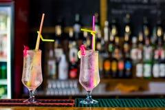 Cocktail bij de staaf Royalty-vrije Stock Foto