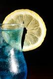Cocktail bleu du Curaçao photographie stock libre de droits