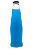 Cocktail blu in bottiglia/cocktail blu/cocktail blu in bottiglia isolata su fondo bianco Immagini Stock Libere da Diritti