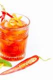 Cocktail chaud avec le poivre et l'alcool Photos stock
