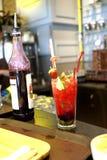 Cocktail com frutos e bagas Imagem de Stock