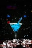 Cocktail com um pulverizador Imagem de Stock