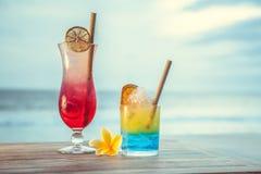 Cocktail com vista para o mar Fotos de Stock