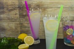 Cocktail con il succo di limone Fotografia Stock Libera da Diritti