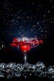 Cocktail con uno spruzzo Fotografia Stock Libera da Diritti