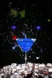 Cocktail con uno spruzzo Immagini Stock Libere da Diritti