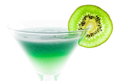 Cocktail d'alcool avec la part de kiwi Photos libres de droits