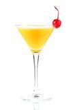 Cocktail d'alcool avec le jus d'orange et le maraschino Images libres de droits