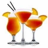 Cocktail d'alcool sur le fond blanc Photographie stock