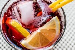 Cocktail d'Americano avec le citron et la glace Image stock