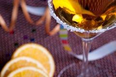 Cocktail d'or en glace de martini Photos stock