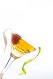 Cocktail da morango e vidro de licor do uísque Imagens de Stock