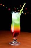 Cocktail dans le bar photos stock