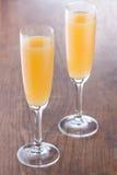 Cocktail de Bellini préparé de la voie traditionnelle Image stock