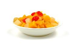 Cocktail de fruta enlatada Fotos de Stock Royalty Free