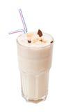 Cocktail de lait avec du chocolat d'isolement sur le blanc Image stock