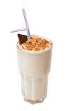Cocktail de lait avec du chocolat d'isolement sur le blanc Photographie stock libre de droits