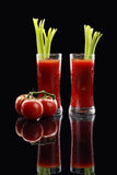 Cocktail de Mary sanglante ou jus de tomates Photo stock