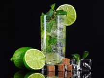 Cocktail de Mojito imagem de stock