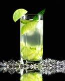 Cocktail de Mojito avec les limettes fraîches Photos stock