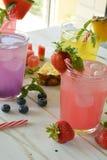 Cocktail de Mojito de plusieurs saveurs tropicales image stock