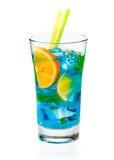 Cocktail de refrescamento fresco de Curaçau imagem de stock royalty free