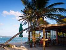 Cocktail de soirée sur l'île Photos stock