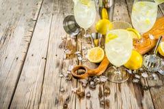 Cocktail de St Germain French Spritz photos stock