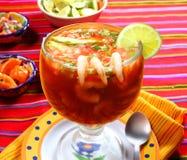 Cocktail de type de Mexicain de fruits de mer de crevettes Photo libre de droits
